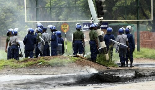 Novi sukobi na protestima u Zimbabveu 12