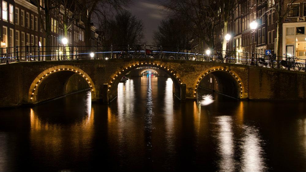 Amsterdam: Srpski umetnici reinterpretirali Van Gogovu sliku (FOTO) 1