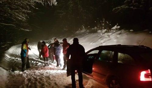 Spasioci izvukli zaglavljen bračni par iz Rusije iz smetova na Goliji 4