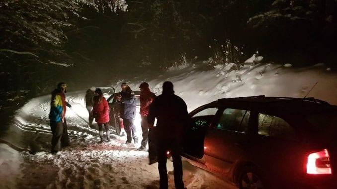 Spasioci izvukli zaglavljen bračni par iz Rusije iz smetova na Goliji 1