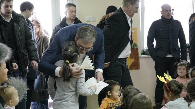 Vučić: Gradiće se novi objekat za decu u Zvečanskoj 1