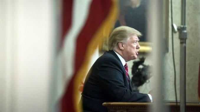 Tramp odustao od zida, traži 5,7 milijardi dolara za čeličnu ogradu ka Meksiku 1