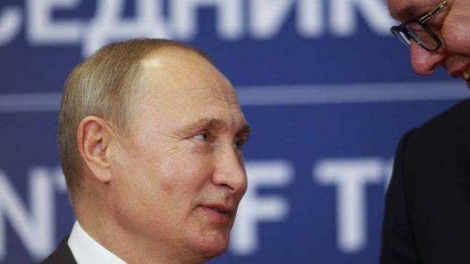 Vučić ispratio Putina 1