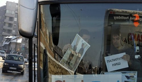 Na doček Putina pristižu autobusi, najviše iz Niša i Kruševca (FOTO) 11