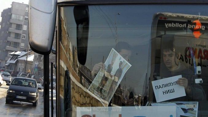 Na doček Putina pristižu autobusi, najviše iz Niša i Kruševca (FOTO) 1
