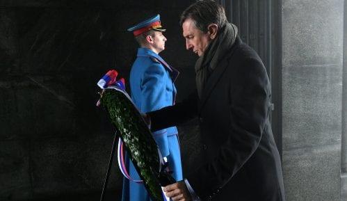 Predsednik  Slovenije položio venac na Spomenik neznanom junaku 10
