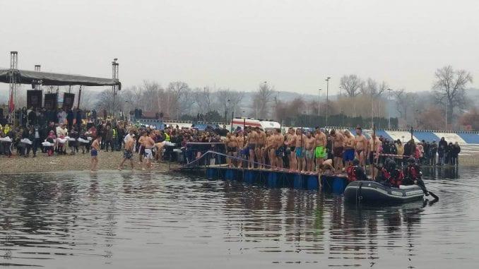 Na Bogojavljenje širom Srbije se plivalo za Časni krst 1