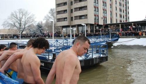 Plivanje za časni krst u Kladovu, Boru i Zaječaru 15