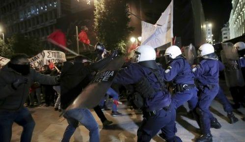 Grčka policija bacila suzavac na demonstrante 2