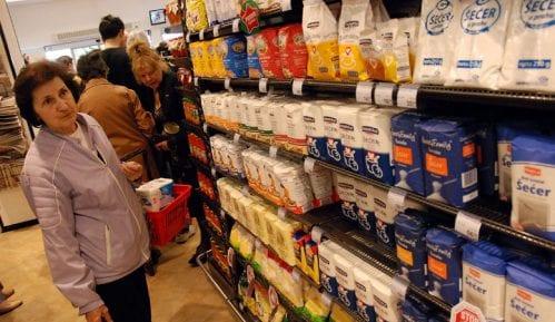 Za starije od 65 radiće 829 prodavnica nedeljom od 4 do 7 ujutro 9