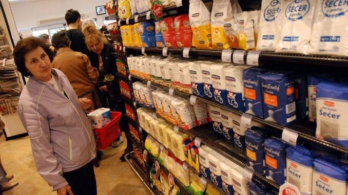 Za starije od 65 radiće 829 prodavnica nedeljom od 4 do 7 ujutro 2