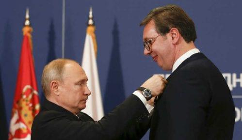 Putin uručio Vučiću orden Aleksandra Nevskog 1