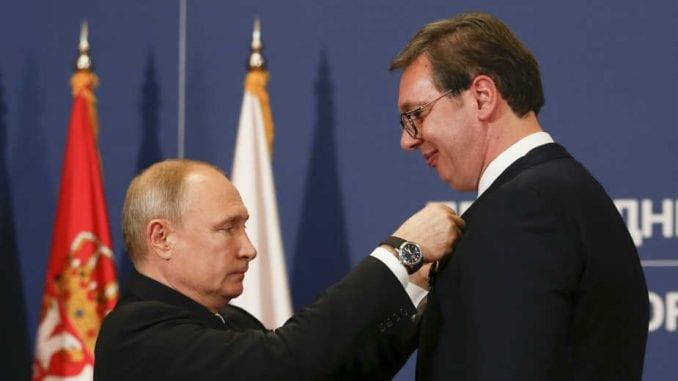 Putin uručio Vučiću orden Aleksandra Nevskog 2