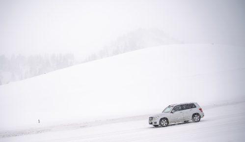 Sneg poremetio saobraćaj u Alpima, nekoliko ljudi stradalo 5