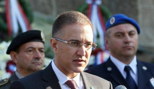Stefanović: Kazniti sve koji su danas napali policijske službenike 15