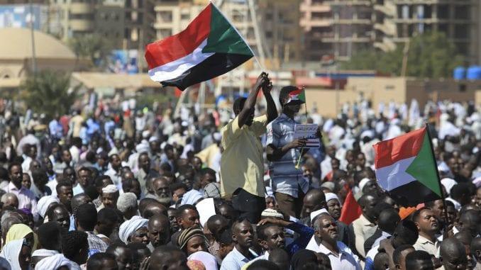 Devet Sudanki osuđeno na bičevanje zbog učešća na antivladinim protestima 3