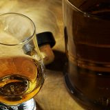 Nestala boca viskija vredna skoro 6.000 dolara, poklon Pompeu od Japana 17