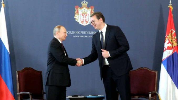 Vučić čestitao Dan pobede Putinu 1