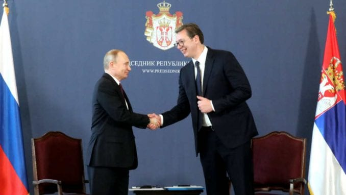 Vučić čestitao praznik Putinu 2