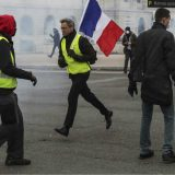 Makron izrazio žaljenje zbog 11 mrtvih tokom protesta Žutih prsluka 11