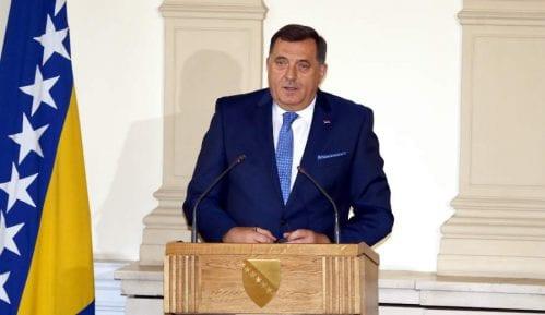 Dodik: Poseta Đukanovića štetna za RS 15