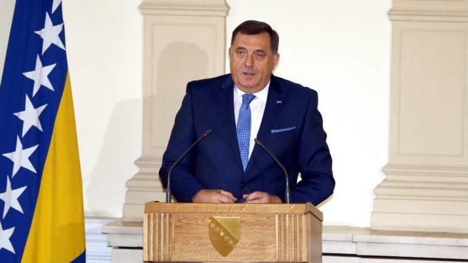 Dodik odbio slanje vojske na granice i raspoređivanje migranata po celoj BiH 1