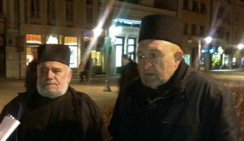 Sveštenici SPC: Živimo u diktaturi, to mora da se menja 12