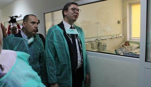 Vučić: Nisam mogao da odbijem poziv majke bolesnog dečaka 4