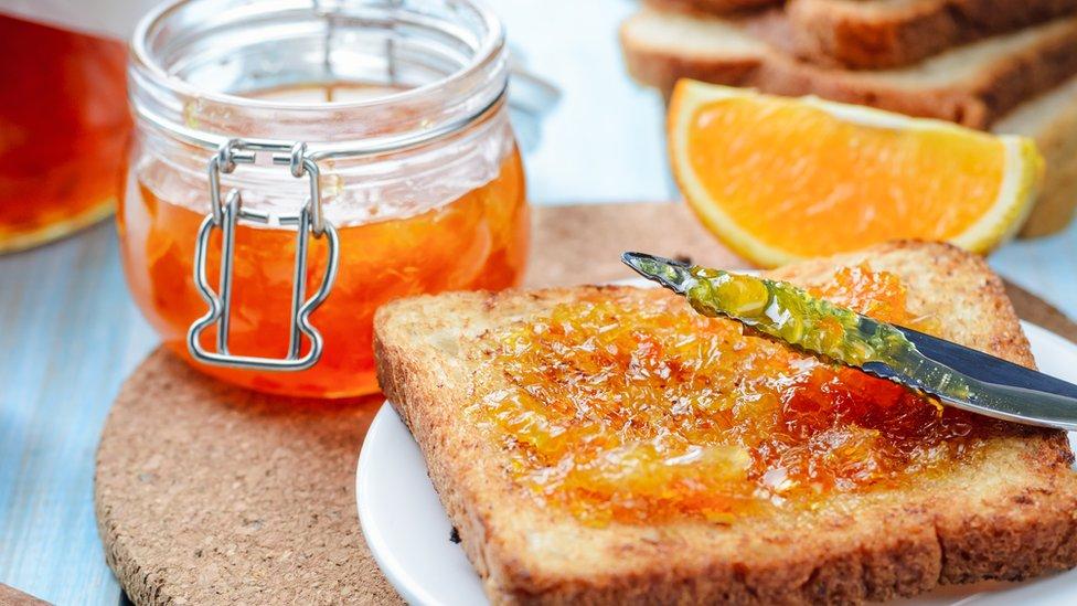 Džem od pomorandži sa tostom