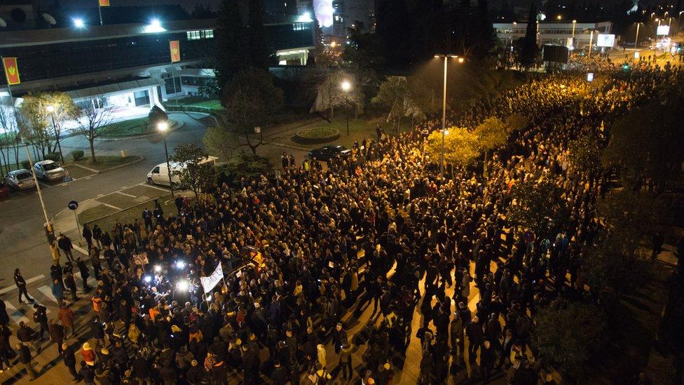 Podgoričani okupljni na antivladinim protestima, februar 2019.
