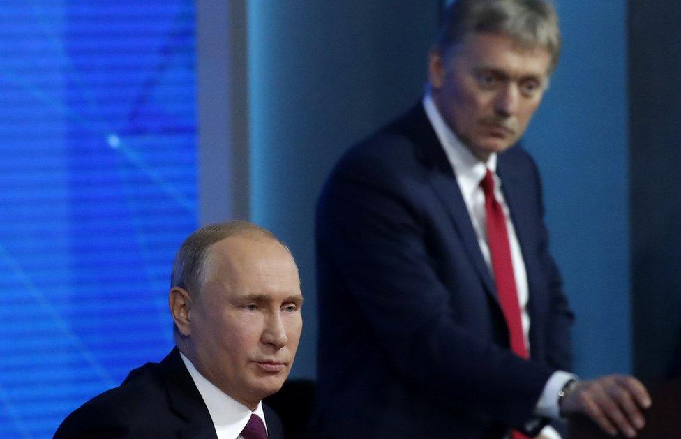 Peskov i Putin u Kremlju na završnoj godišnjoj konferenciji za novinare u decembru 2018.