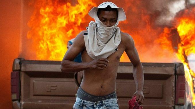 Dezertirale desetine vojnika u Venecueli 3