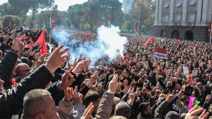 Opozicija u Albaniji blokirala autoputeve 1