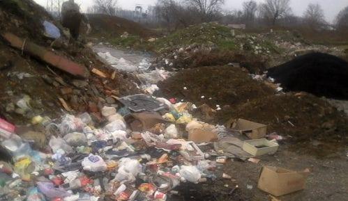 Deca na inhalatorima, voda neupotrebljiva, kuće pucaju zbog sleganja tla 8