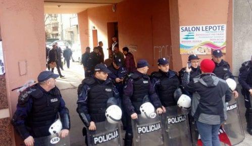 Aktivisti: Izvršitelji da pomognu u žarištima epidemije umesto što iseljavaju ljude 2