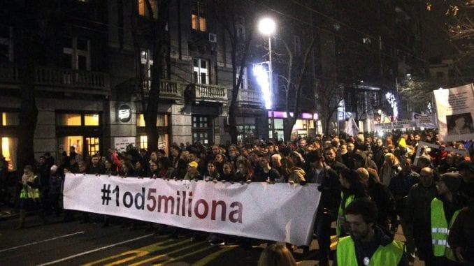 """Vidojković na protestu """"1 od 5 miliona"""": Građani su Vučićevi taoci (FOTO, VIDEO) 1"""