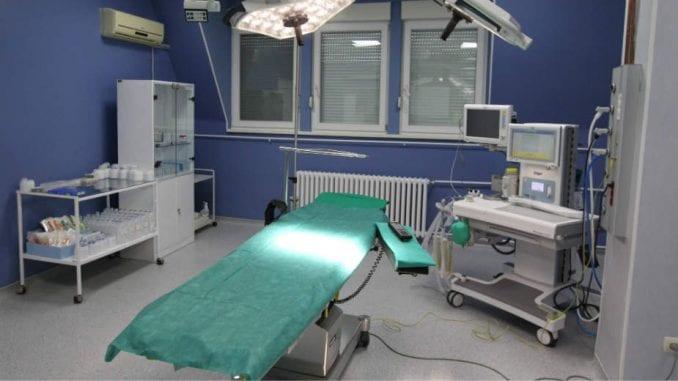 Karneks donirao 70.000 evra Opštoj bolnici u Vrbasu za operacionu salu porodilišta 3