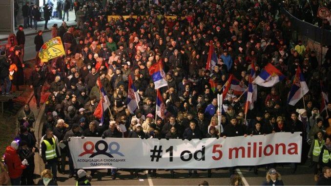 DW: Koliko Vučić može da trpi šetnje? 1