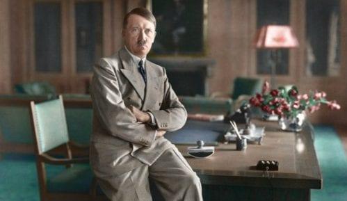 Neuspela prodaja Hitlerovih slika na aukciji 10