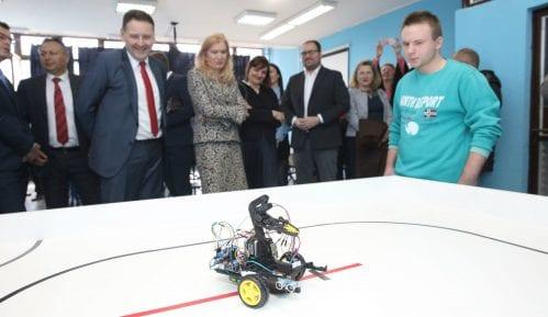 "Mašinska škola ""Pančevo"" dobila kabinet za mehatroniku 11"