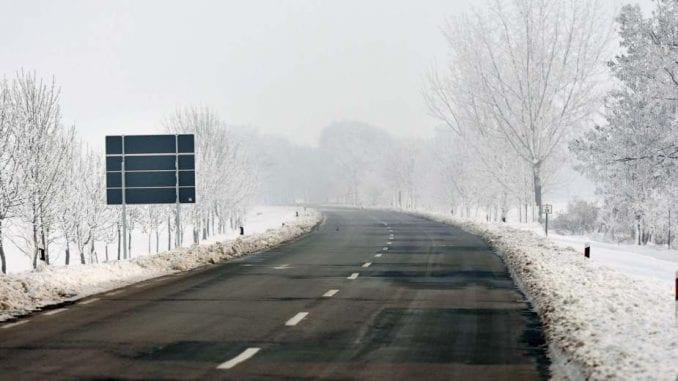 AMSS: Vozači na put isključivo sa zimskim gumama i uz sporiju vožnju 2