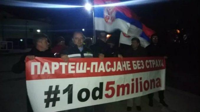 """Protest """"1 od 5 miliona"""" u Pasjanu na Kosovu 1"""