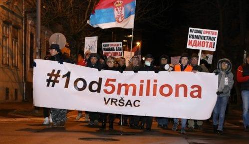 U Vršcu večeras sedmi protest 1 od 5 miliona 6