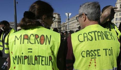 Oko 10.000 ljudi na protestu Žutih prsluka u Francuskoj 6