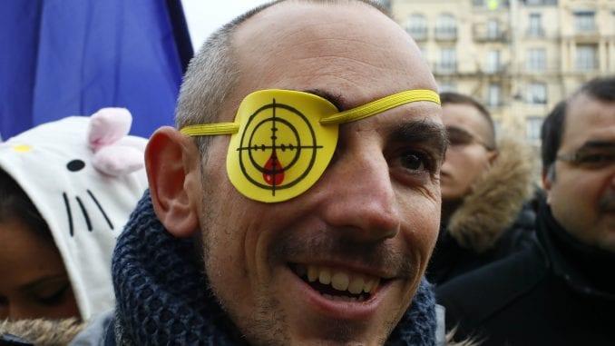U Francuskoj 35 osoba privedeno na protestu Žutih prsluka 4