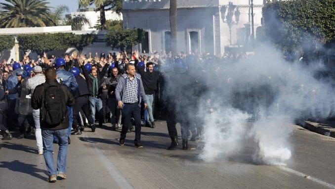 U Alžiru više od 40 osoba privedeno na protestu protiv vlasti 1