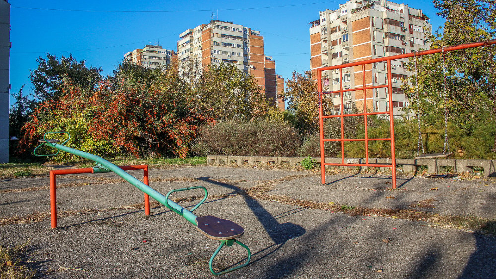 U Gornjem Milanovcu zabrana okupljanja u parkovima i na dečjim igralištima, bolnicu čuva vojska 1