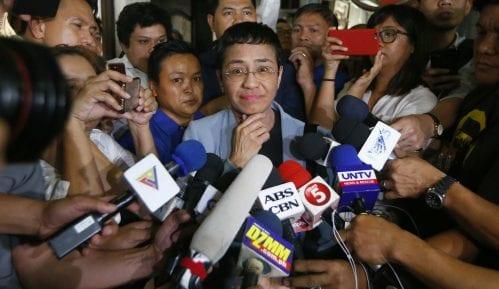 Uslovno oslobođena poznata filipinska novinarka Marija Resa 10