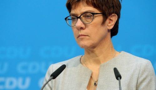 Naslednica Angele Merkel o migrantima: Možda i zatvorimo granice 8