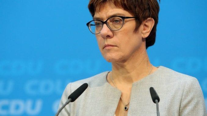 Naslednica Angele Merkel o migrantima: Možda i zatvorimo granice 4